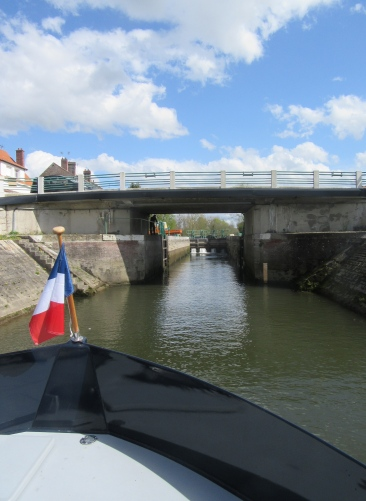 approaching Picquigny lock