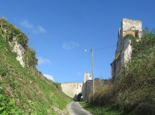 Approaching Picquigny castle
