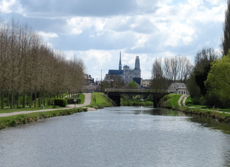 Approaching Amiens from downstream