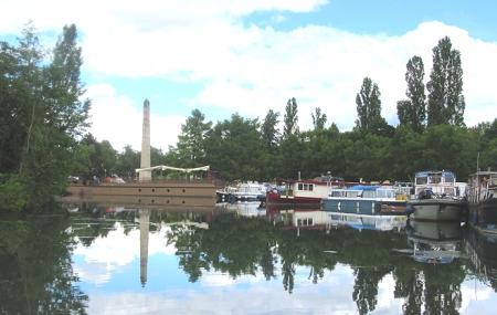 Dijon canal basin