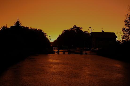 Ecriennes yellow sky