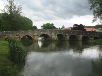 Fleurie bridge over L'Ouche
