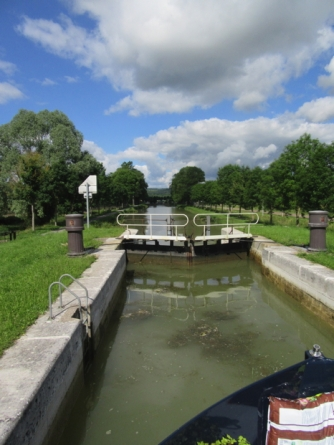 Lock 1Y, going down Yonne side