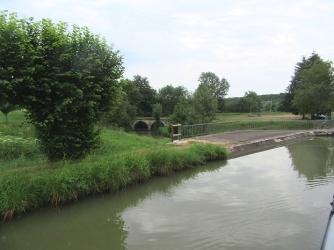 Pont canal d'Aron