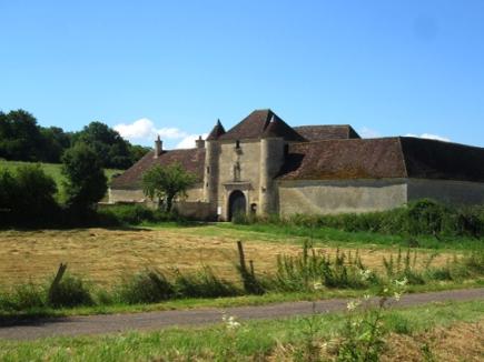 Fortified farmhouse near Basseville