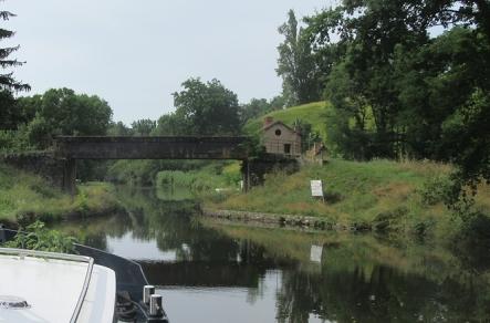 Avrilly bridge