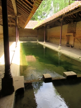 Lavoir, complete with fireplaces and hanging rails