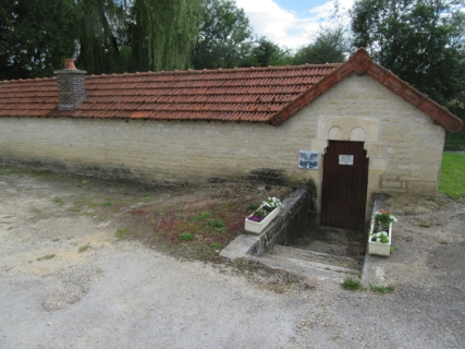 Leone lavoir entrance