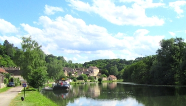 The river at Mailly-la-ville