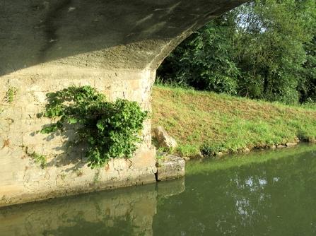 Anizy bridge