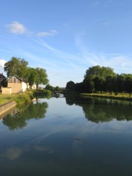 Looking upstream, Raviere eve