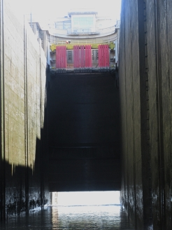 The curved downstream door
