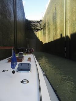 Bollene lock, nearing the bottom