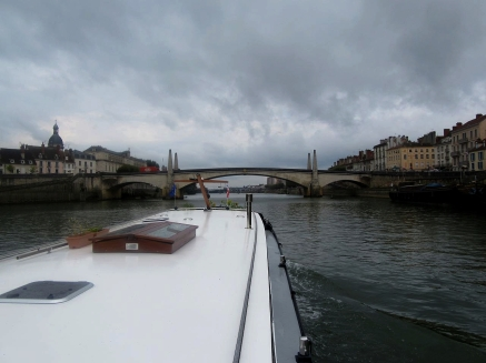 Chalon, bridge to island