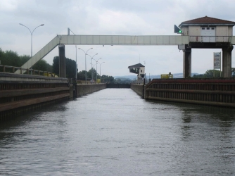 The wide mouth of Ormes Lock