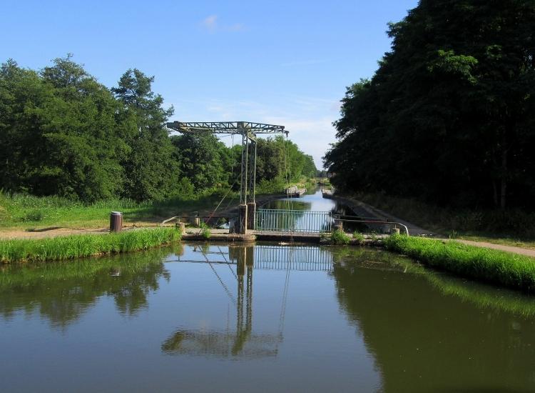digoin_mini_canal_and_bridge