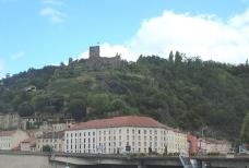 Le chateau de la Batie, Viennes