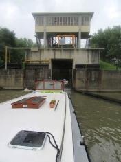 Approaching Lock 34