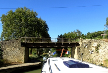 Bridge before Fresquel lock