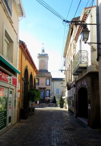 Vias towards market square