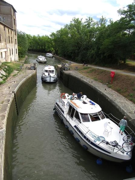 Entering Trebes lower lock
