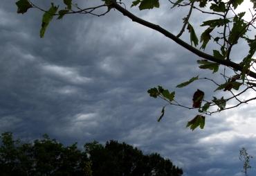 Trebes, sky