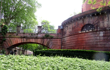 toulouse_water_tower_2
