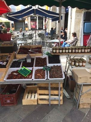Agen prune stall
