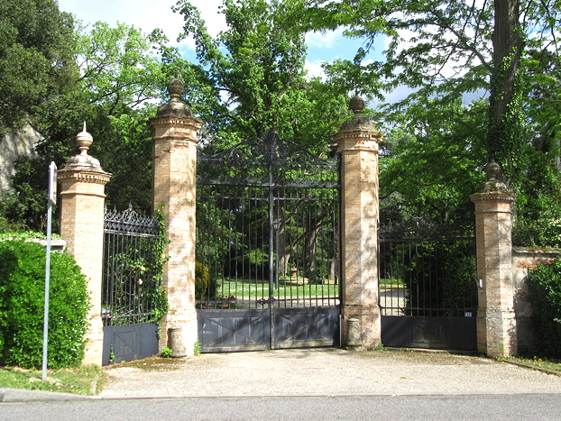 Gateway to grand home, Canals