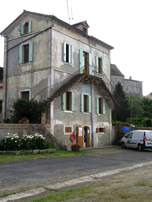 Castets-en-Dorthe eclusiers house 52/53