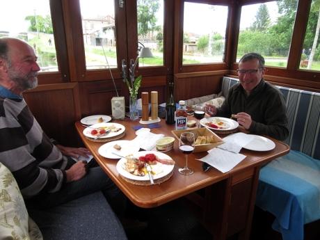 grisolles_breakfast_1_may