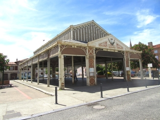 Grisolles market hall