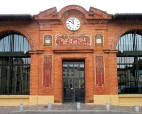 Moissac market place