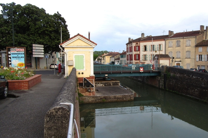 Moissac swing bridge