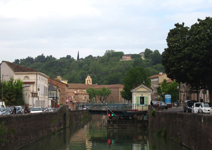 swing bridge Moissac