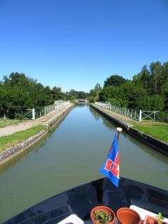 Pont-canal sur la Baize