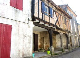 Serignac old timbered buildings