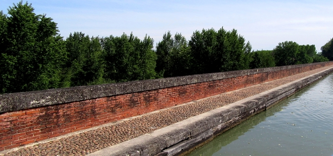 Pont Canal du Cacor at Moissac, over Tarn