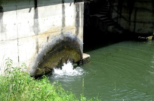 L'Avance lock water