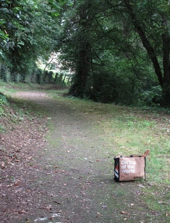 Meilhan-sur-Garonne, path to top