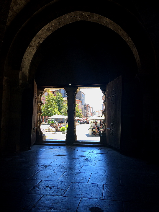 The cool of the Abbey doorway