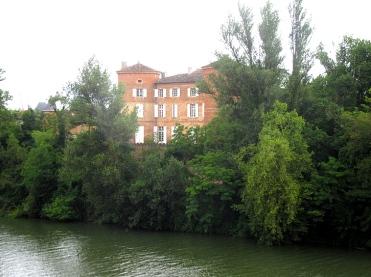 Reynies chateau