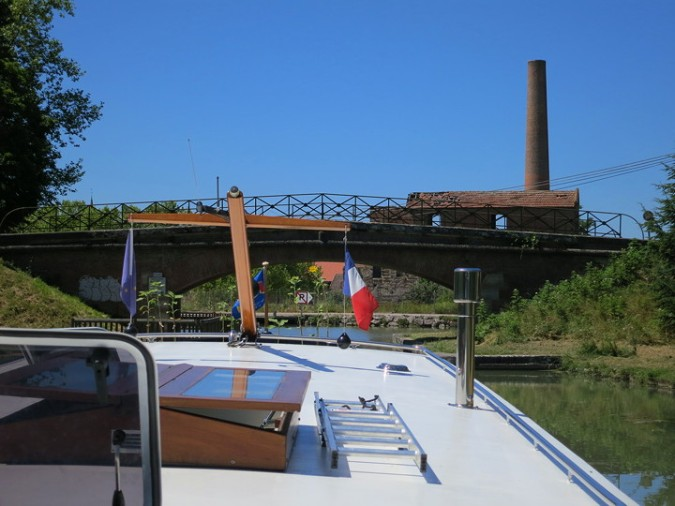 Montech canal, leaving