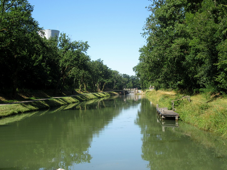 Montech canal, typical lock pontoon