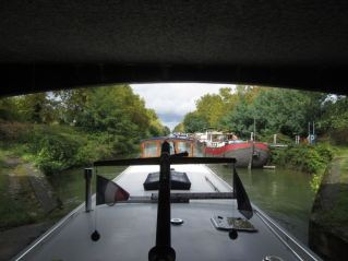 Leaving Canal de Garonne