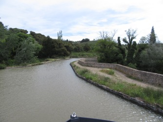 Going into Pont-canal de Repudre