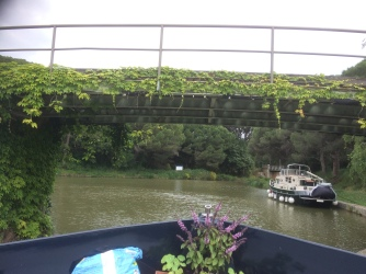Under the bridge at Cesse lock