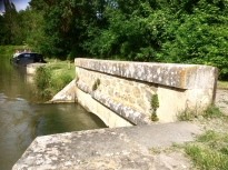 Villedubert spillway