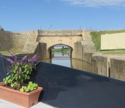 Heading onto L'Aude through Moussoulens flood gates