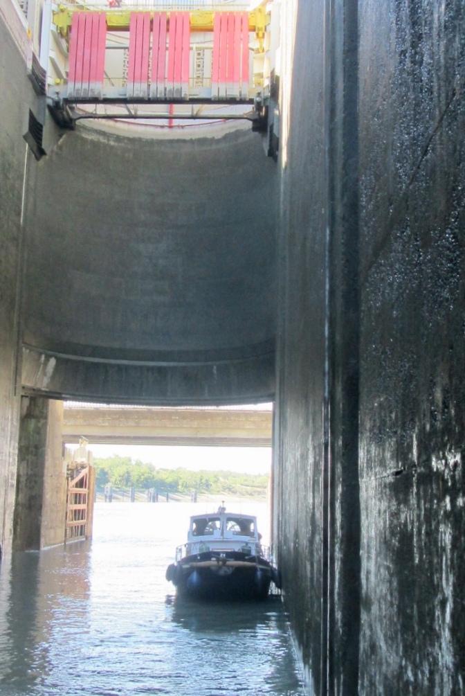 Rheinhard dwarfed by the lock